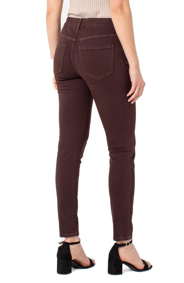 Gia Glider 28' Ankle Skinny