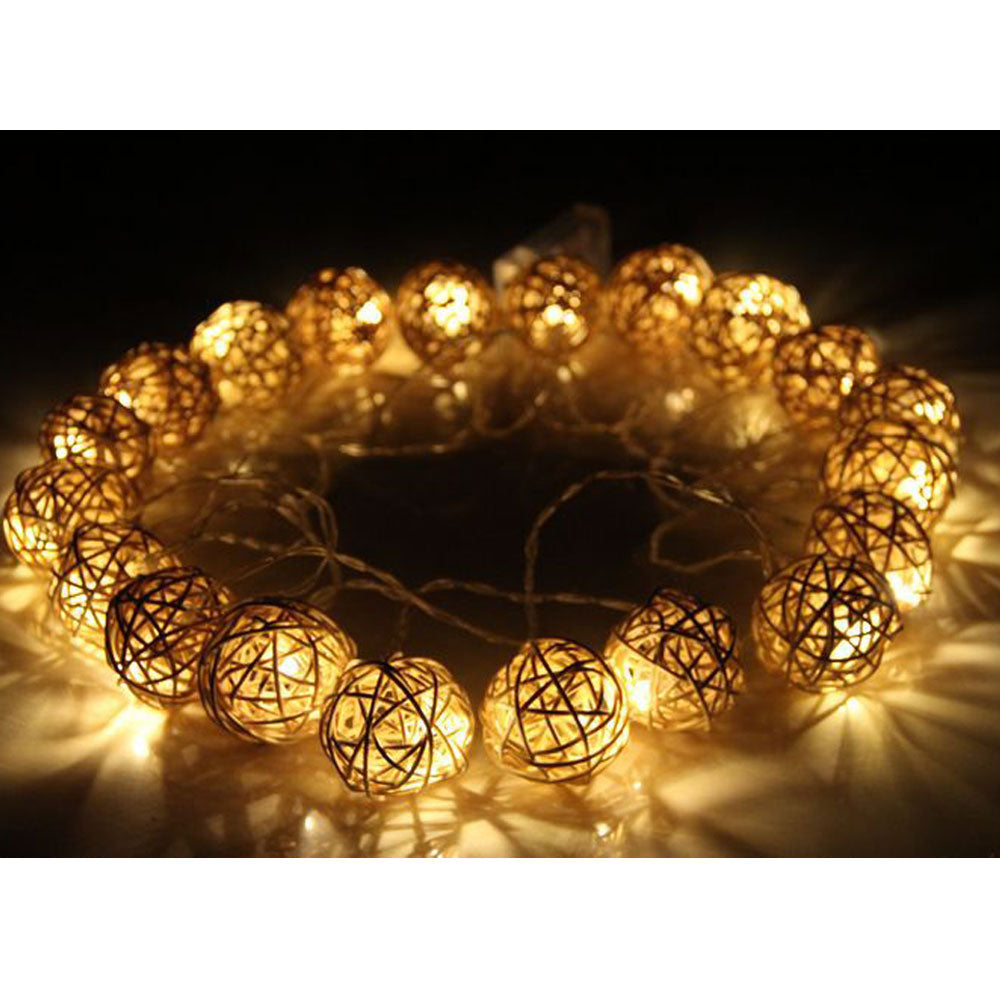 Battery Powered Warm White Rattan Balls LED Fairy Lights 2M 20LED/4M 40LED