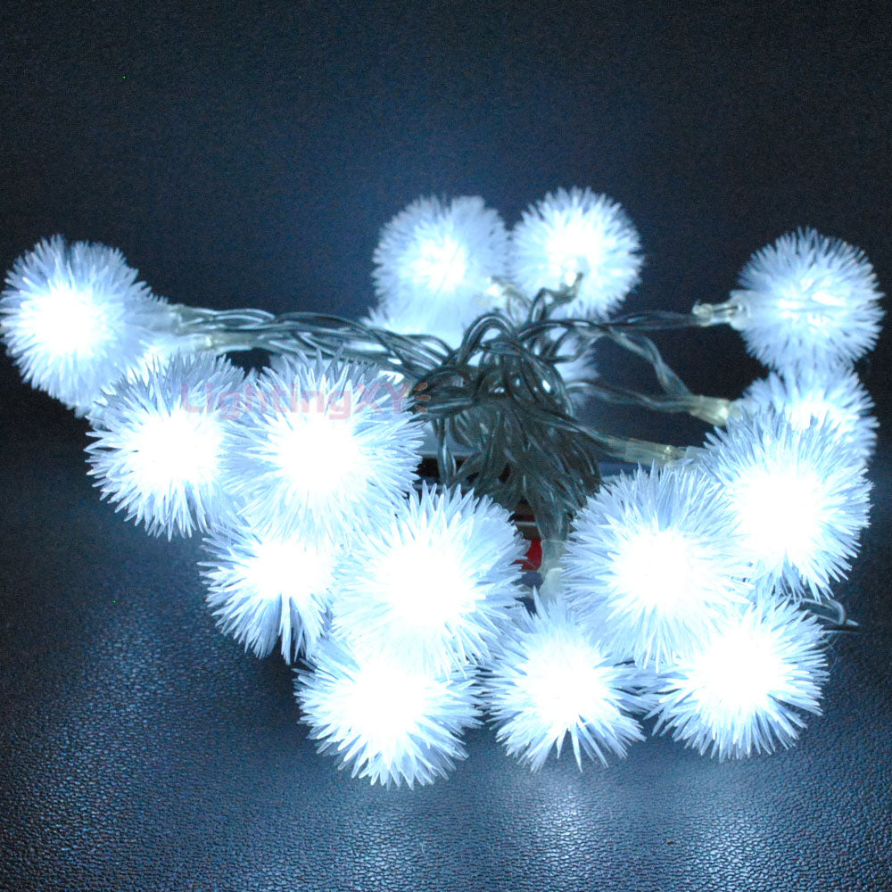 Battery Powered Cool White Snowball LED Fairy Lights Two Modes