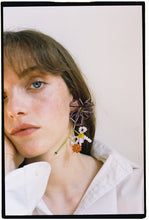 Load image into Gallery viewer, FLORA BOTRYS - Single earring