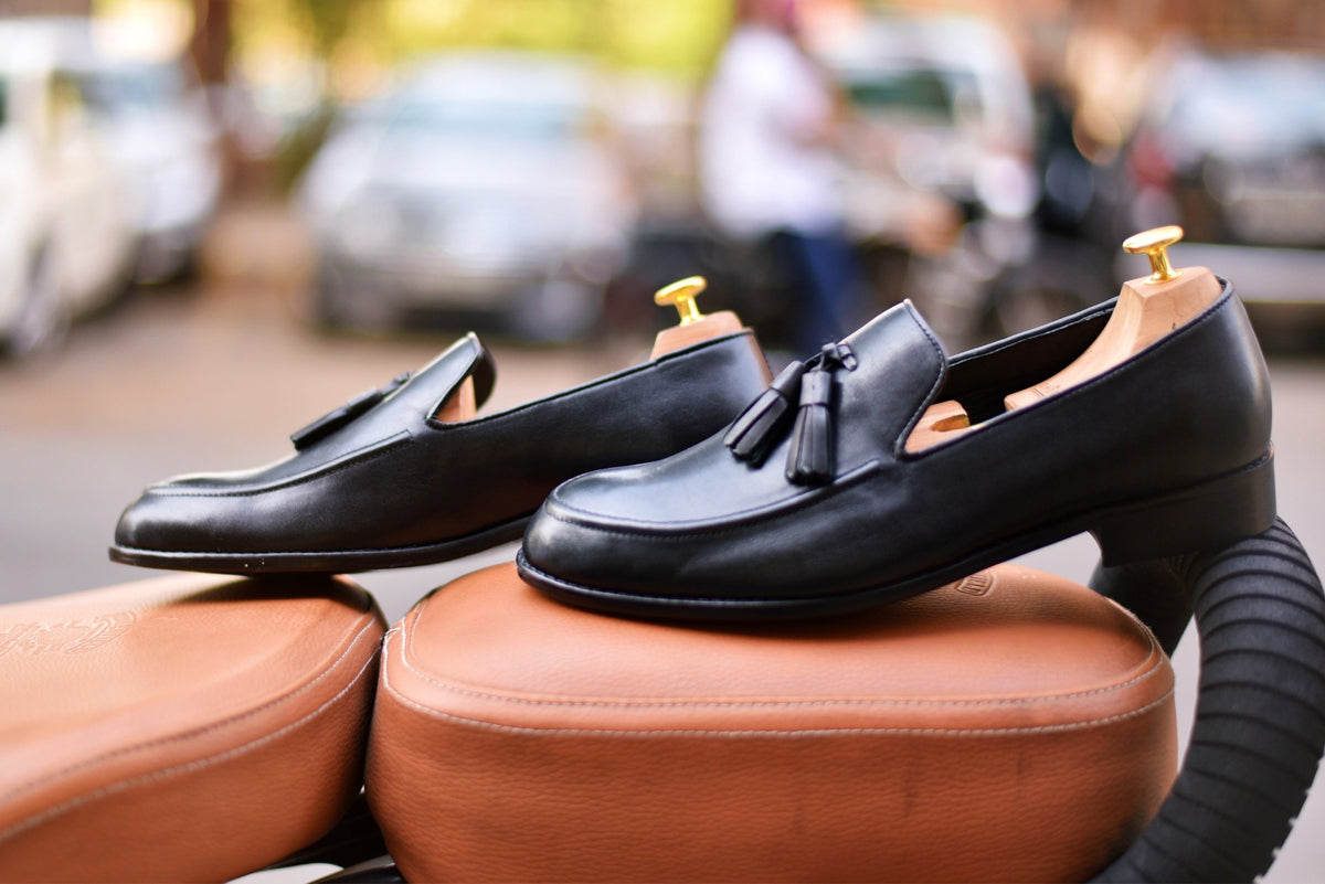 LEATHER SLIP ONS WITH TASSELS - Shop Lozano
