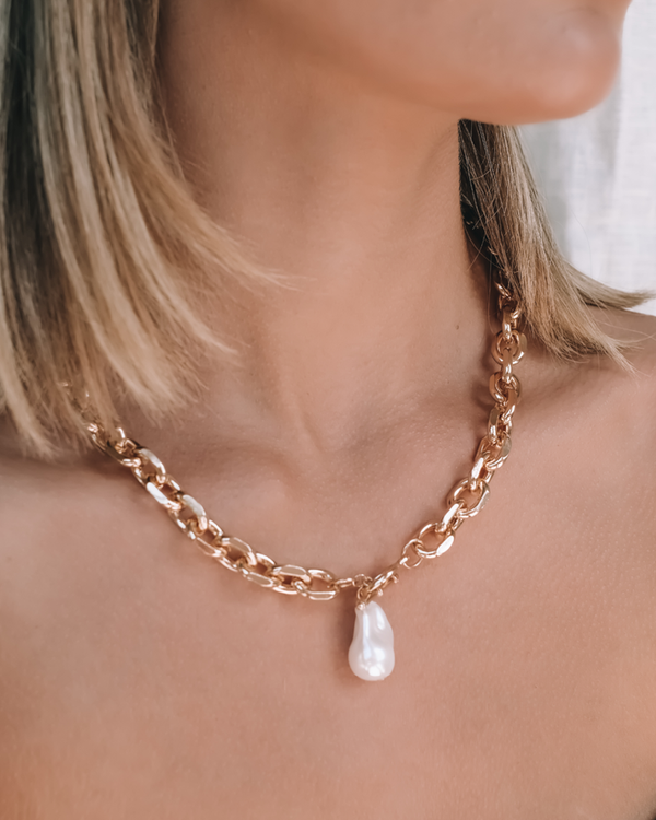 ANASTASIA NECKLACE - GOLD-PEARL