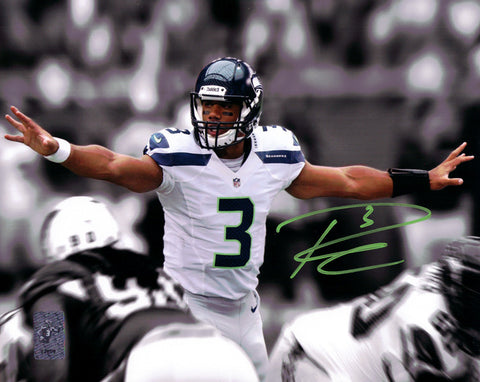 Russell Wilson Autographed 8x10 Photo Seattle Seahawks First Game RW Holo Stock #88004