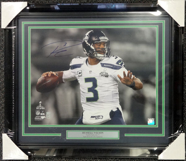 Russell Wilson Autographed Framed 16x20 Photo Seattle Seahawks Super Bowl RS Holo Stock #90708