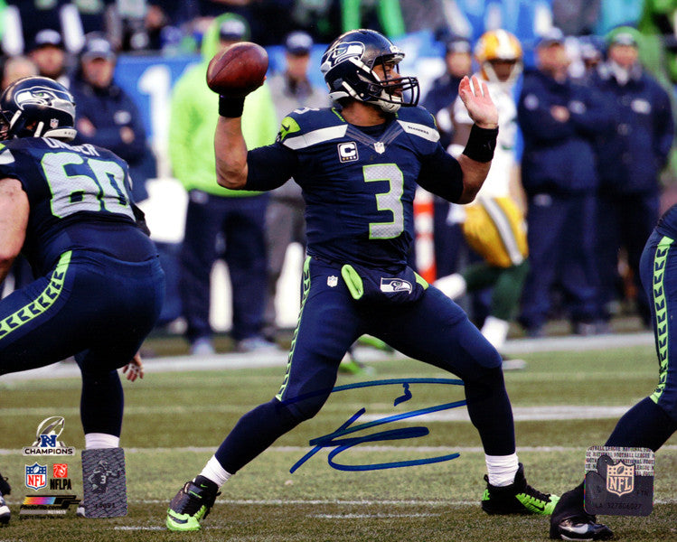 Russell Wilson Autographed 8x10 Photo Seattle Seahawks RW Holo Stock #94275