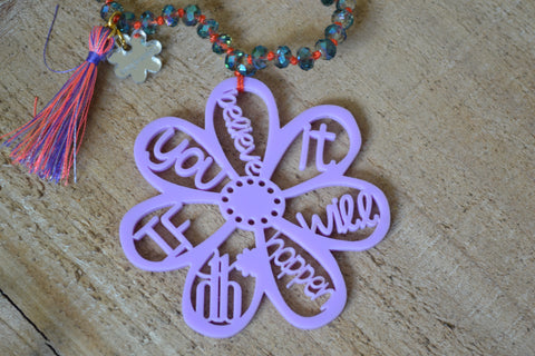 Daisy Necklace in Lilac