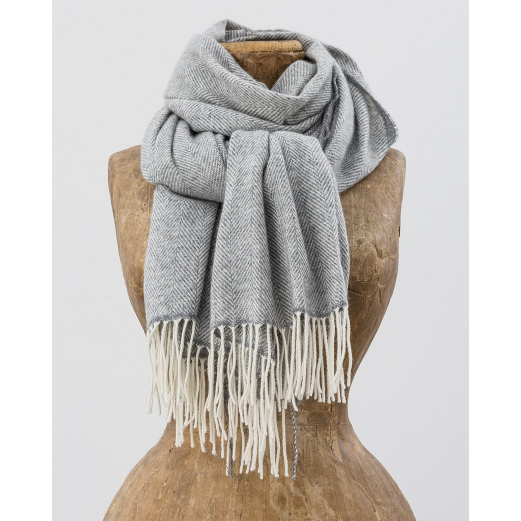 Avoca Cashmere Wool Sandymount Scarf, White & Grey
