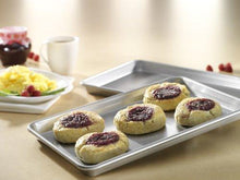 Load image into Gallery viewer, 6 Pieces Bakeware Set  Made in the USA
