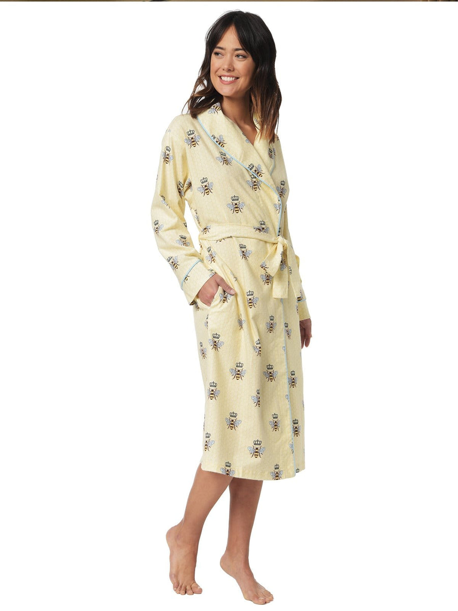 Model wearing Queen Bee Flannel Robe