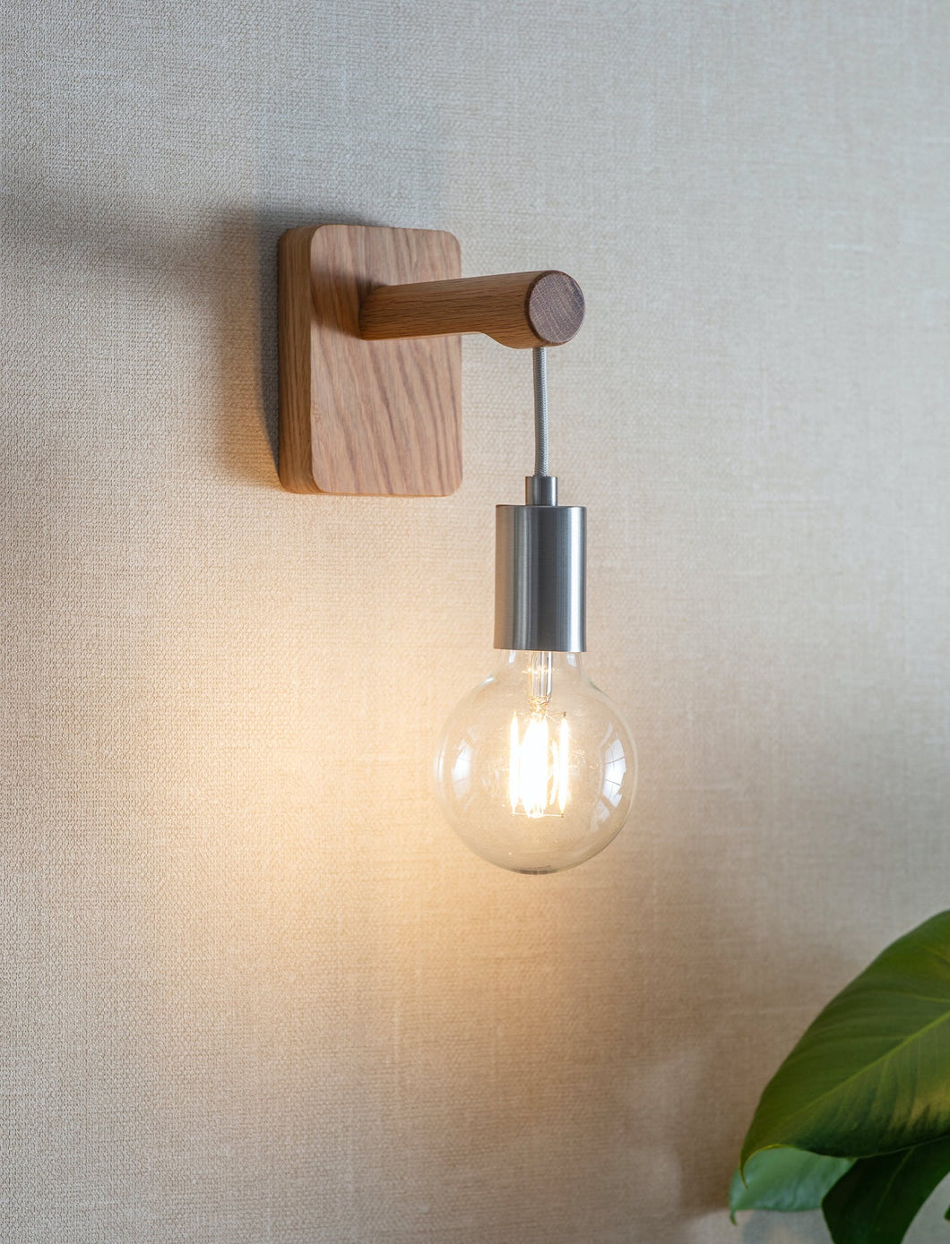 WALL LIGHT WITH BULB