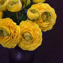 Load image into Gallery viewer, Real Touch Ranunculus Stem