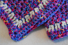 Load image into Gallery viewer, Blue & Pink Confetti Crochet Cat Mat