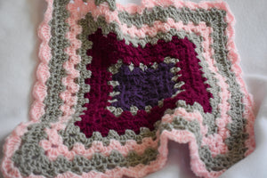 Pink Shell Crochet Cat Mat