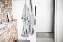 Load image into Gallery viewer, LAPUAN - KASTE PRESHRUNK LINEN BATHROBE. WHITE