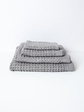 Load image into Gallery viewer, KONTEX - ORGANIC LARGE WAFFLE TOWEL. BRERA. GREY