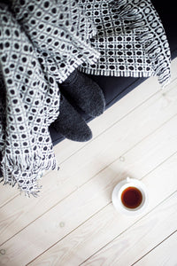LAPUAN - LAMBSWOOL BLANKET. BLACK