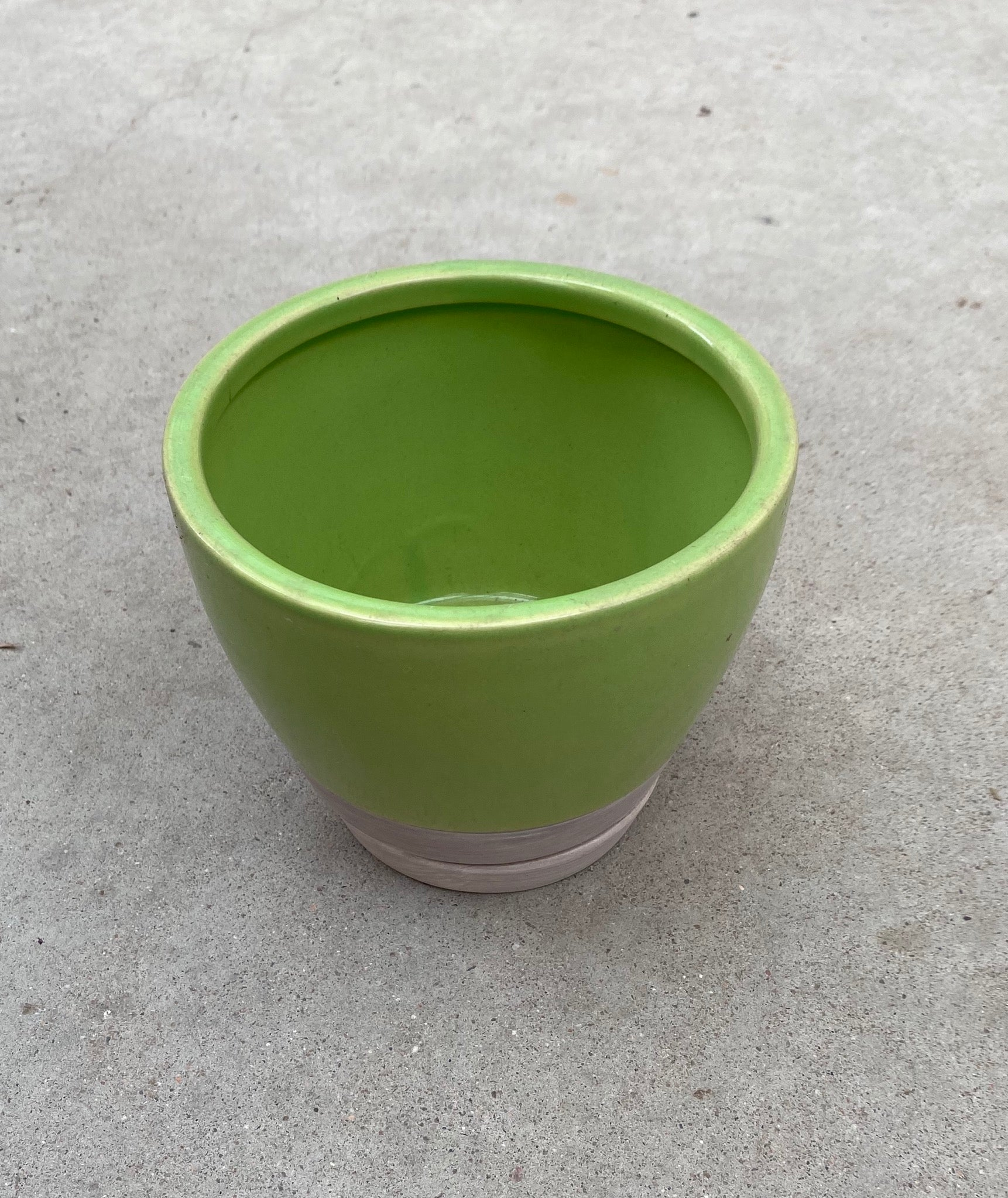 "Pot Two-Tone w/Saucer 5"" Green"