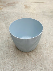 "Magnolia Plastic Pot Light Grey 7""x6"""