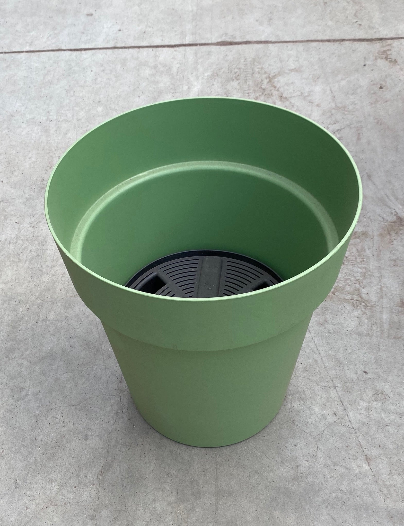 "Viva Planter w/reservoir 43cm/17"" Green"