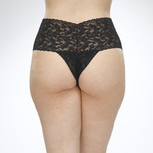 Load image into Gallery viewer, Hanky Panky O/S Retro Thong Plus +  Signature Lace