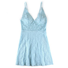 Load image into Gallery viewer, Hanky Panky Retro Plunge Signature Lace Chemise