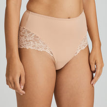 Load image into Gallery viewer, Prima Donna SS21 Light Tan + White Magnolia Matching Hotpants