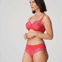 Load image into Gallery viewer, Prima Donna SS21 Raspberry Delight Matching Luxury Thong