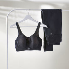 Load image into Gallery viewer, Prima Donna Sports SS20 The Game Black Padded Convertible Underwire Sports Bra