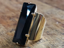 Load image into Gallery viewer, Audrey big crystal ring