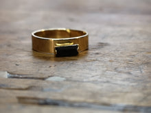 Load image into Gallery viewer, Tove thinner crystal ring