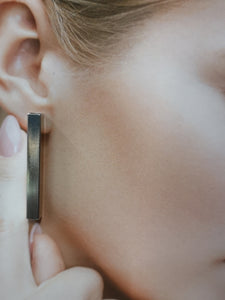 Archi, square tube 40 mm stick earrings