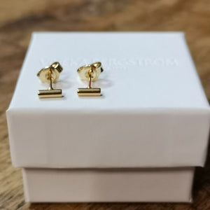 Pytte, 4 mm stick earrings
