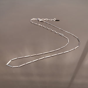 Slinkan, stick chain necklace
