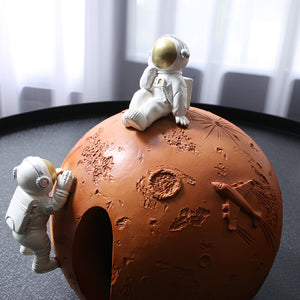 Creative Modern Spaceman Ornaments