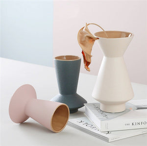 GEOMETRIC SHAPE FROSTED VASE