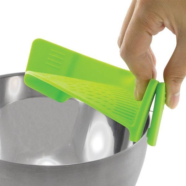 Clip On Silicone Strainer - Belfast Books