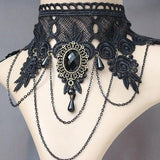 Enchanting Lace Statement Choker