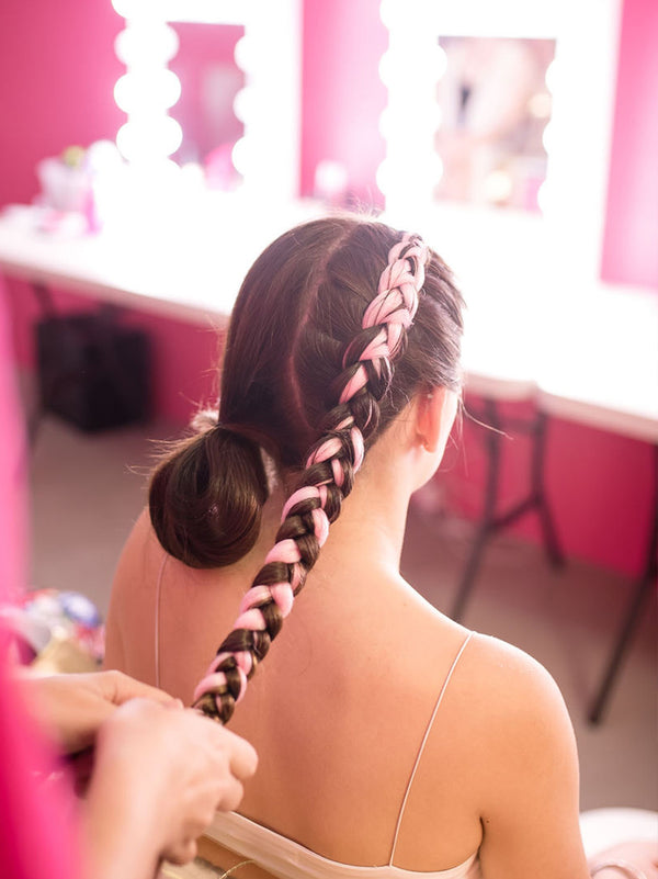 Dutch Braids with Colour Braid Extensions