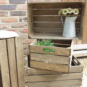RUSTIC WOODEN APPLE CRATE