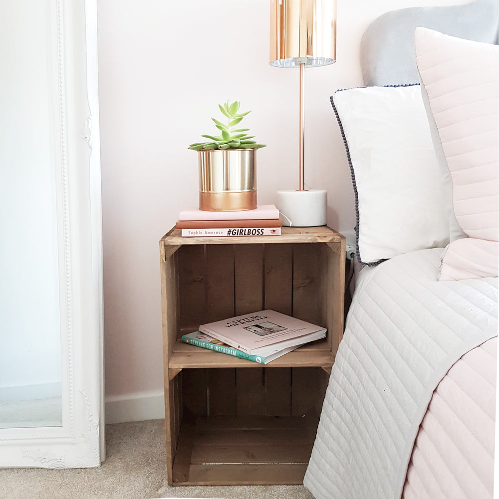 RUSTIC APPLE CRATE BEDSIDE TABLE