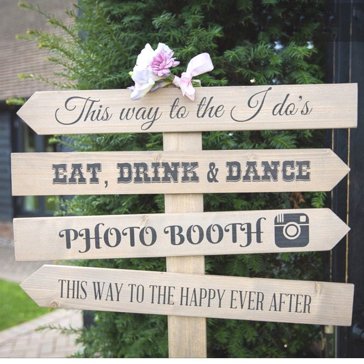 PERSONALISED RUSTIC WEDDING SIGN POST