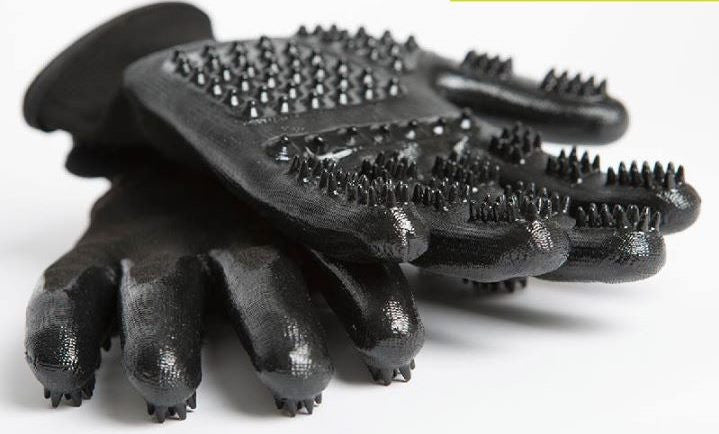 Amazing HandsOn Grooming Gloves For Horses and Dogs - All in One Revolutionary De-shedding & Bathing - Georgia Horseback