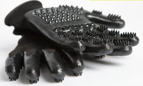 Amazing HandsOn Grooming Gloves For Horses and Dogs - All in One Revolutionary De-shedding & Bathing