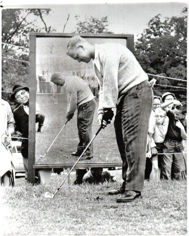 Jack Nicklaus in Front of Mirror Unsigned Old Time Photo
