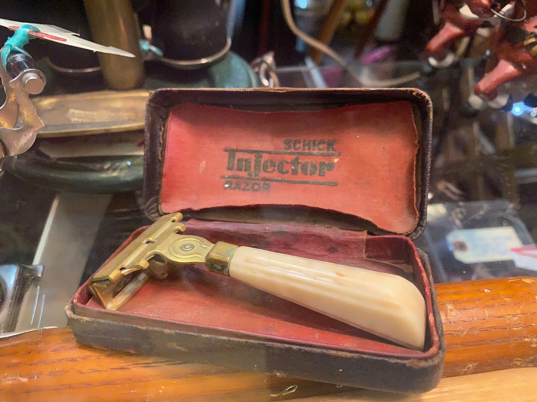 Chic Injector razor with case