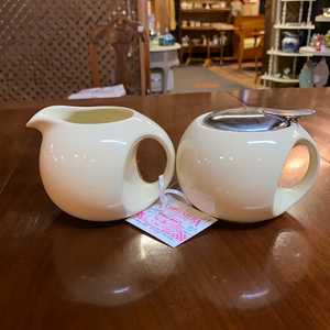 Royal Elfreda cream & sugar set