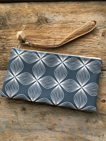 Clutch, Flower Navy