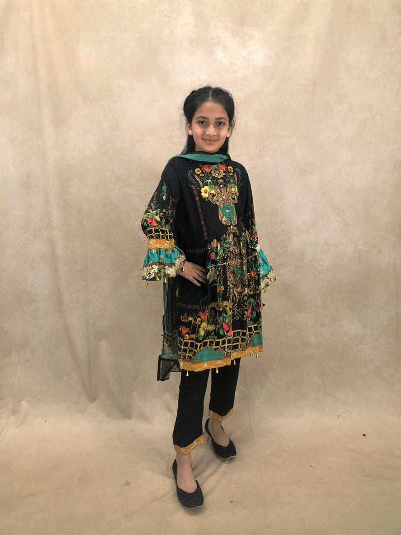 BRONZE Poze Clutch bag - Sai Fashions (UK) Ltd.