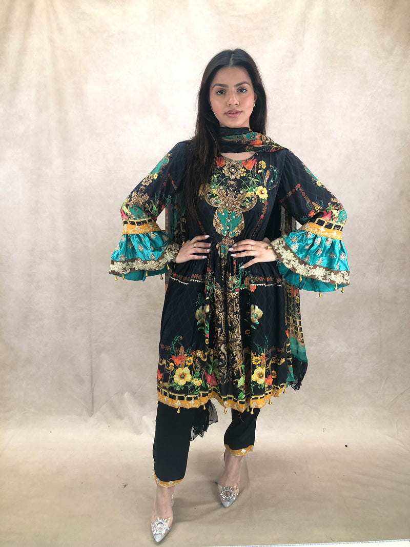 ROSE GOLD Poze Clutch bag - Sai Fashions (UK) Ltd.