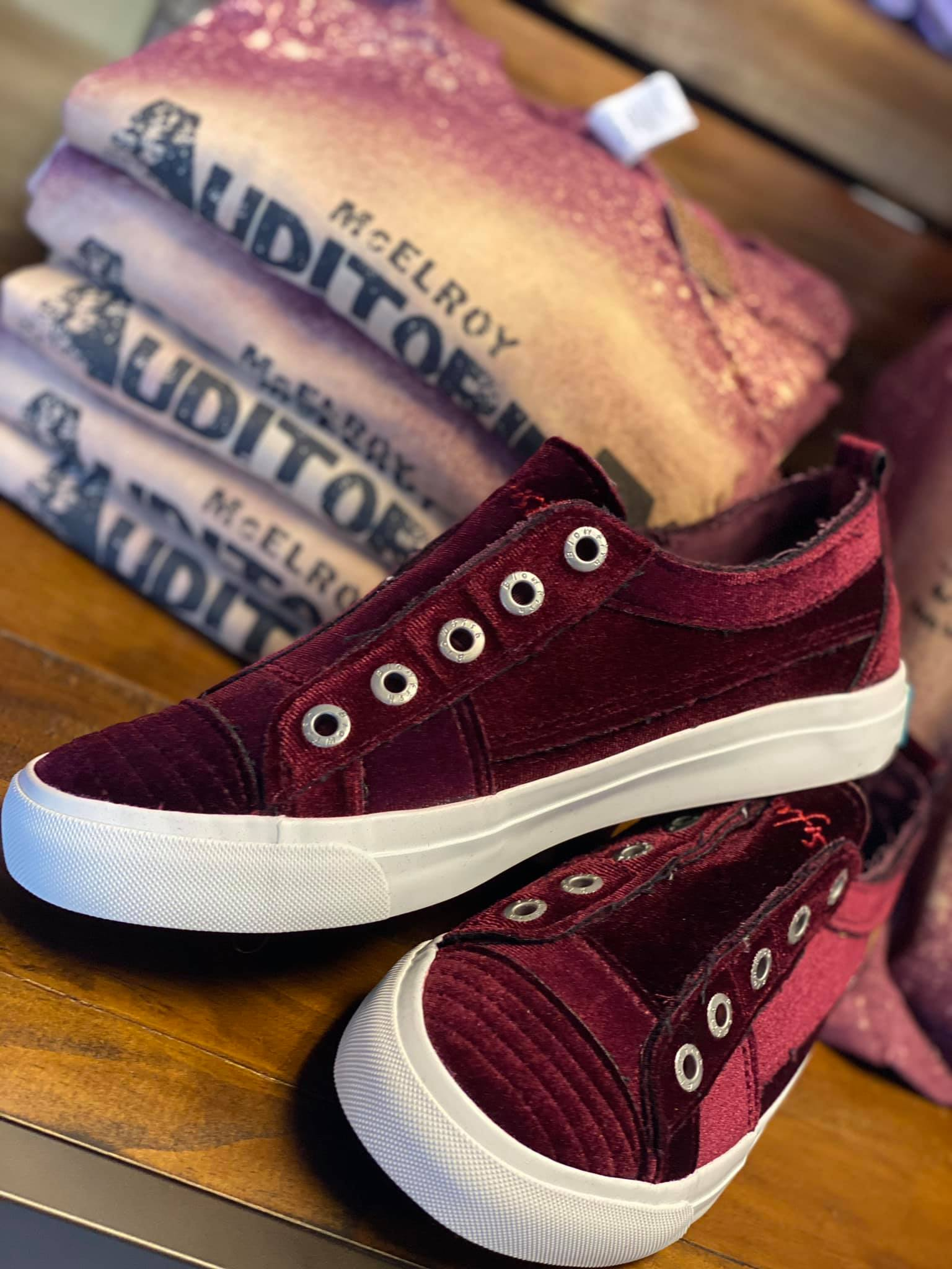 "Blowfish ""Play"" Velvet (fog/port)"